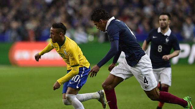 Cara y cruz para Neymar Jr y Claudio Bravo